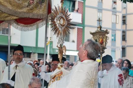 22.06.2013 - FOTO DELLA PROCESSIONE EUCARISTICA IN VIA IS MIRRIONIS NELLA FESTA DEL CORPUS DOMINI