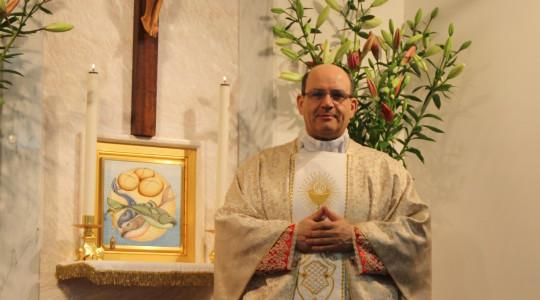 Preghiera per il parroco don Chicco